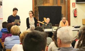 Foto Biblioteca Castellar. Presentació roll-up (1)